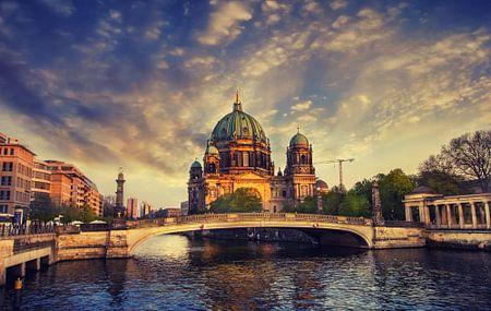 Berlin Dom at the River Spree von Johan Strijckers