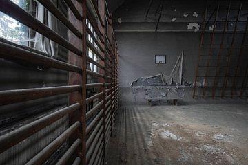 Verfallende Turnhalle von Ben van Sambeek