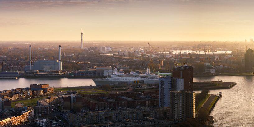 Panorama Rotterdam Zuid en SS Rotterdam  van Vincent Fennis