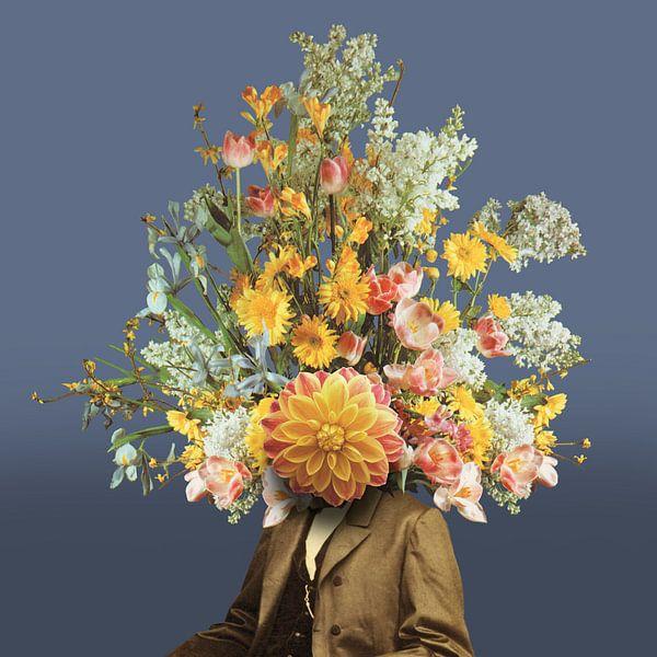 Zelfportret met bloemen (blauwe achtergrond) van toon joosen