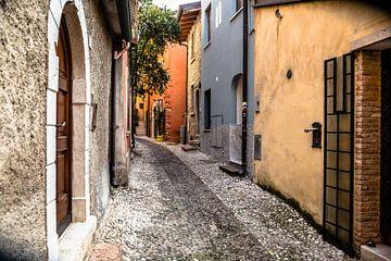 Straatgezicht Italië van Annette van Dijk-Leek