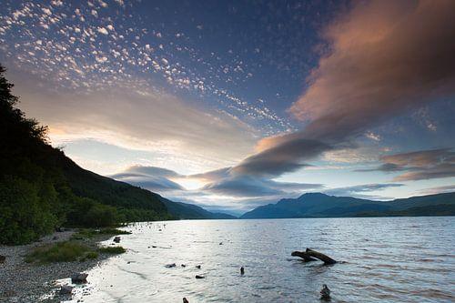 Zonsondergang boven Loch Lomond - Luss, Schotland van