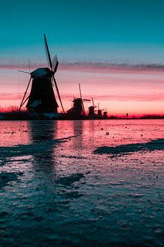 Kinderdijk winter 6 van Nuance Beeld