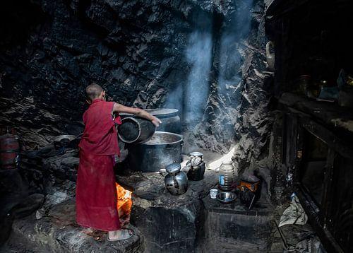 Jak thee wordt gekookt voor de monniken