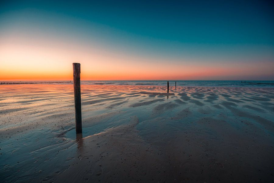 Domburg strand zonsondergang 2 van Andy Troy