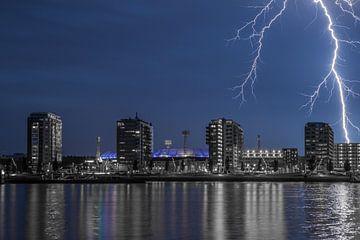 Feyenoord stadion met onweer 3 von John Ouwens