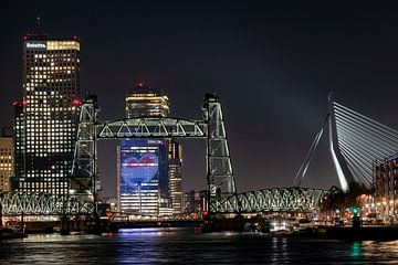 Rotterdam Skyline De Hef en Eurovisie Songfestivallogo van Erik van 't Hof