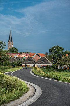 Slingerweggetje aan de rand van het Friese dorpje Blauwhuis von Harrie Muis