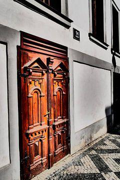 Prag - Solide Tür von Wout van den Berg