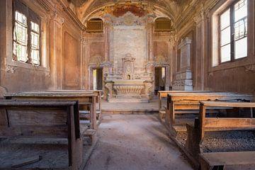 verlaten kerkje in zachte tinten van Kristof Ven