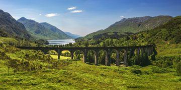 Panorama du viaduc de Glenfinnan en Écosse sur Jean Claude Castor