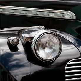 Detail zwarte Cubaanse Oldtimer - Chevrolet van Marianne Ottemann - OTTI