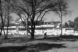de eenzame fietser bij sanatorium Zonnestraal