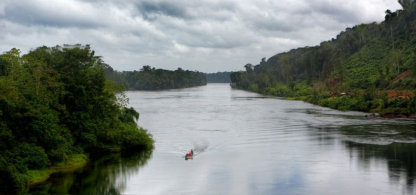 Suriname rivier van Peter Reijners