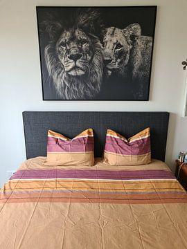 Klantfoto: Leeuw zwart wit met titel: Lion couple - Leeuwen - Liefde - Zwart wit - Afrika van Hendrik Jonkman