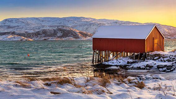 Boothuis in Winter op Sommarøya, Noorwegen