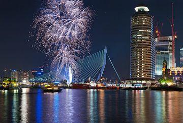 Vuurwerk! Rotterdam / Erasmusbrug von Rob de Voogd / zzapback