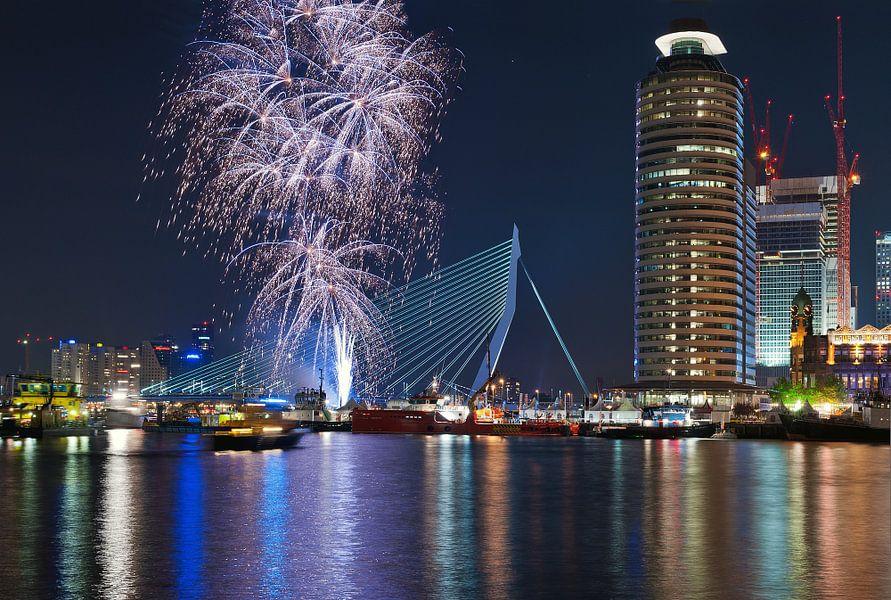 Vuurwerk! Rotterdam / Erasmusbrug van Rob de Voogd / zzapback