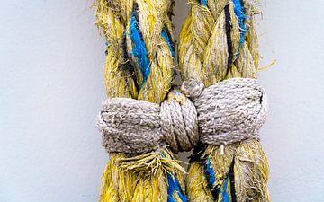 samengebonden touw (de strik) van Lydia Toerse