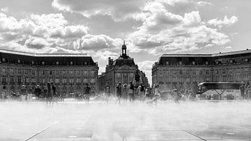 Place de la Bourse, Bordeaux (FR) in de mist van Marc Goldman