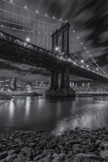 New York Skyline - Manhattan Bridge and Brooklyn Bridge 2016 (2)