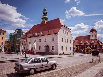 Rathaus mit Marktplatz in Finsterwalde von Animaflora PicsStock