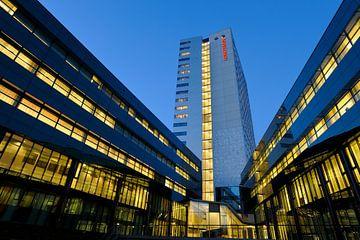 Het kantorencomplex Galgenwaard in Utrecht sur Donker Utrecht