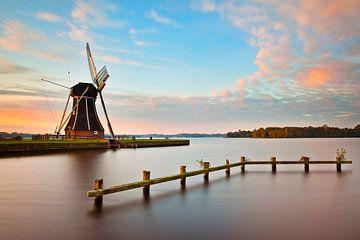 Windmühle nahe Paterswoldsemeer, Haren, Niederlande von Peter Bolman