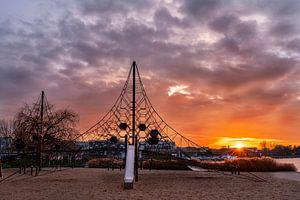 Zonsondergang in de Autostadt voor het netwerk. van Marc-Sven Kirsch