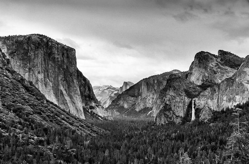 Yosemite Valley Black & White van Han van der Staaij