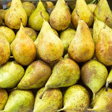 peer, groen, markt, groente, fruit van Leo van Maanen