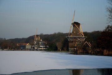 Perlenpfütze mit Eiscreme in Rotterdam von Merijn Loch