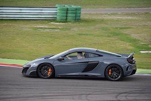 McLaren 675LT op het TT-Assen circuit