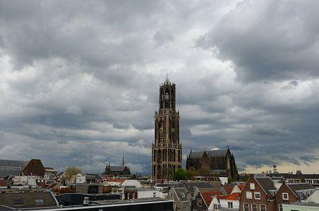 Stadsgezicht van Utrecht met onweersbui