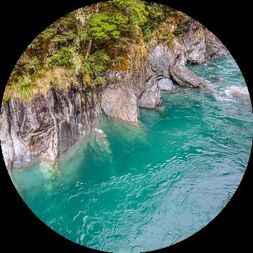 Blue Pools bij Haast Pass, Nieuw Zeeland van Christian Müringer
