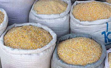 Mais in zakken van Daan Kloeg