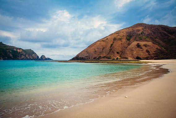 Mawun Beach Lombok  van Pieter Wolthoorn