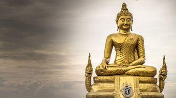 Buddha beeld, Phuket (KLEUR) von Raymond Gerritsen