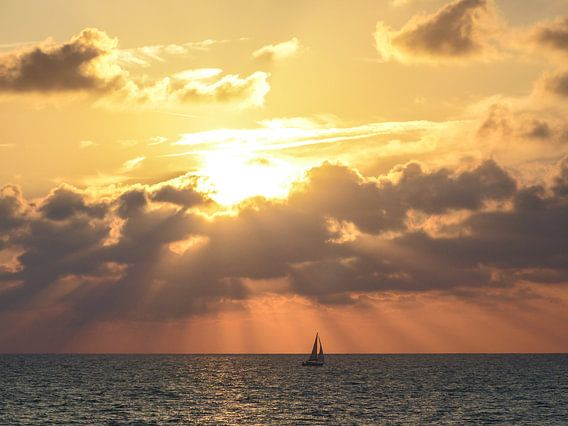 Sailing on the Mediterranean Sea van brava64 - Gabi Hampe