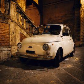 Fiat 500 in Siena, Italië. van Teun Ruijters