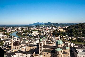 Zicht op Salzburg vanuit Festung Hohensalzburg van Koen Henderickx