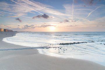 Zonsondergang aan de kust van Sasja van der Grinten