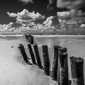les nuages au bord de la mer sur Peter Heins