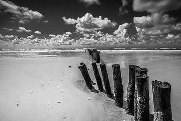 wolken aan zee van Peter Heins