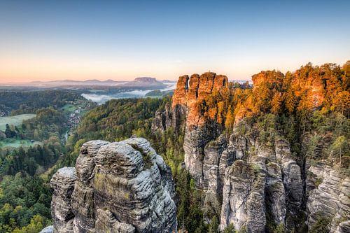 Saxon Switzerland in the morning van Michael Valjak