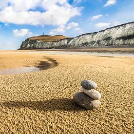 Zen sur la plage sur les côtes françaises sur Niels Barto