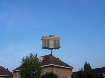 De brandenburger tor bovenop een woonhuis? von Wilbert Van Veldhuizen