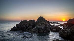 Rots formatie voor zonsondergang