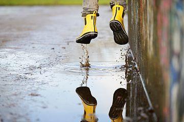 Gele laarzen van Maren Oude Essink