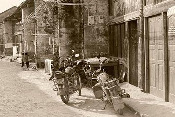 Oldtimer Alte-Motorräder, China. von Inge Hogenbijl